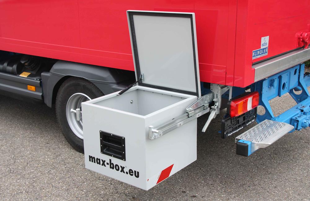 Unterflurbox an Mercedes Atego